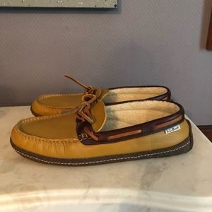 L.L. Bean Shoes - LL Beans slippers EUC size 9 brown & tan size 9